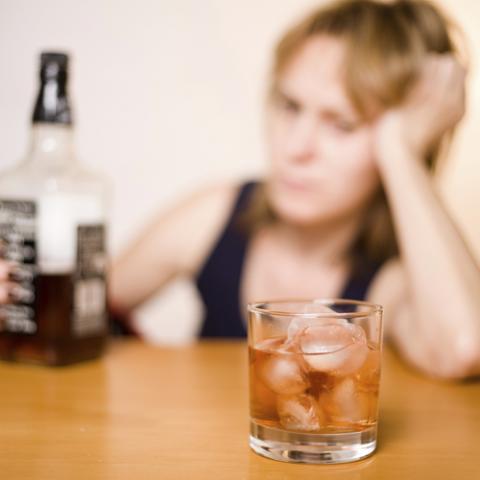 Лечение от женского алкоголизма